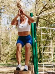 jump-girl-workout-plan-outdoor